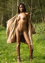 Natassia strips & fingers in forest