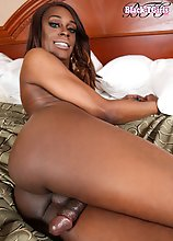 Menah Gotti is a stunning young black tgirl with an amazing body, beautiful face, a great bubble butt and a delicious cock! Watch this hot Grooby girl